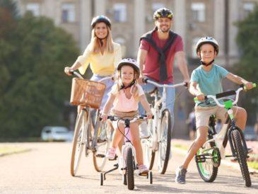 Syrenka pomaga rowerzystom